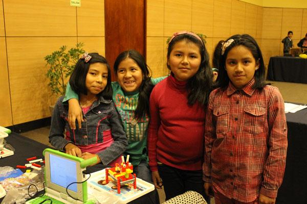 ore 2016 alumnas robots cubos